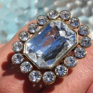 Jewelry - Big Bling Clear Crystal Stretch Statement Ring